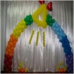 Оформление воздушными шарами выпускного